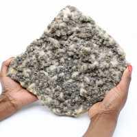 Große Quarzplatte mit Pyrit- und Sphaleritkristallen (Blende)
