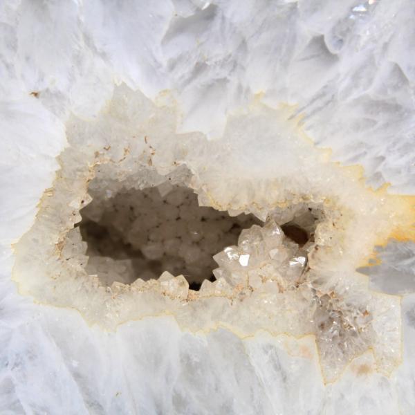 Halbquarzachat-Geode